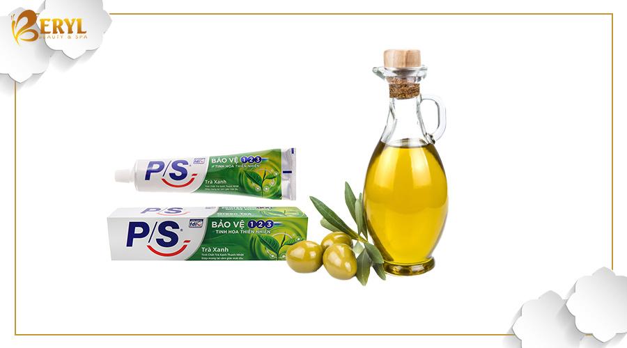 Kem đánh răng và dầu oliu là bộ đôi tiêu diệt mụn bọc hiệu quả